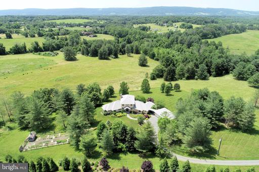 Property for sale at 20781 Unison Rd, Round Hill,  Virginia 20141