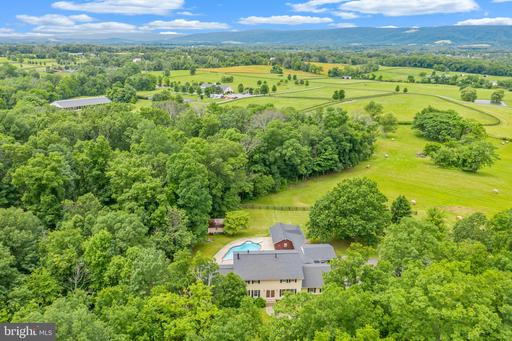 Property for sale at 20659 Furr Rd, Round Hill,  Virginia 20141
