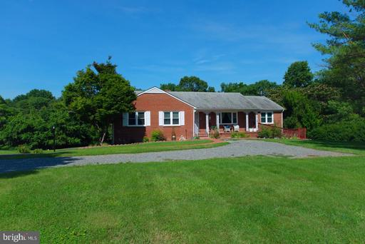 Property for sale at 202 Patrick Henry Drive, Louisa,  Virginia 23093