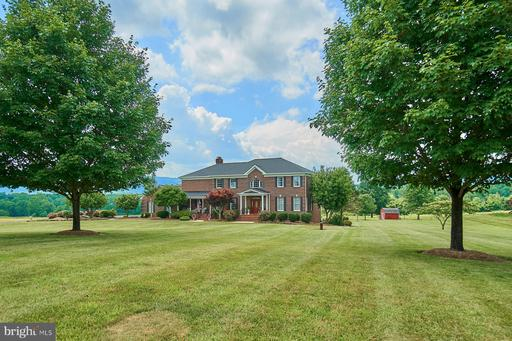 Property for sale at 19115 Airmont Rd, Purcellville,  Virginia 20132