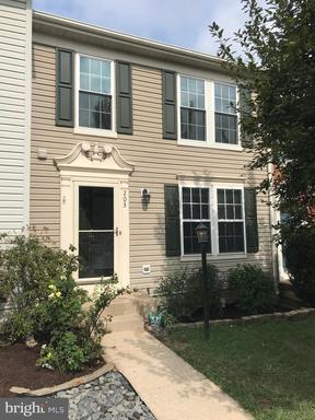 Property for sale at 203 Shirley Sq Se, Leesburg,  Virginia 20175