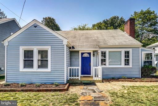 Property for sale at 132 South St, Louisa,  Virginia 23093