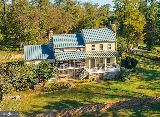 Property for sale at 19923 Woodtrail Rd, Round Hill,  Virginia 20141