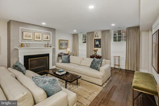 Property for sale at 910 Spruce St #1, Philadelphia,  Pennsylvania 19107