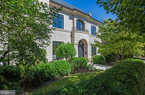 Property for sale at 2100 Dunmore Ln Nw, Washington,  District of Columbia 20007