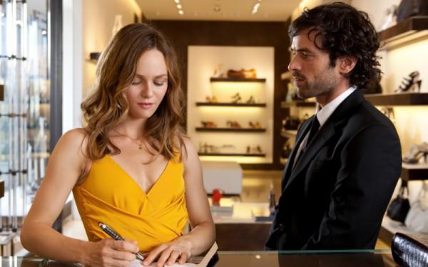 Heartbreaker_movie_image_Vanessa_Paradis_Romain_Duris-5-600x375