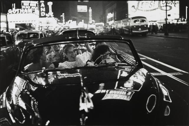 Broadway, New York, N.Y. Louis Faurer between 1949 and 1950, image courtesy of The Phillips Collection