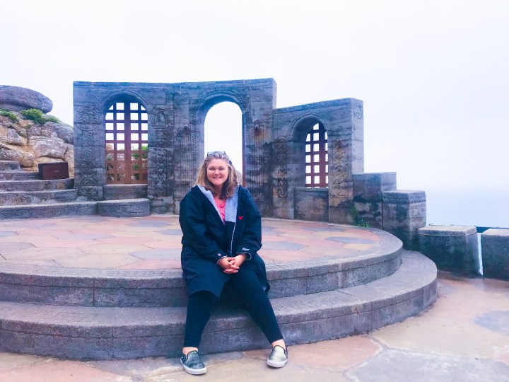 Bex from Bright Lights Big City wearing her long sleeve dryrobe at The Minack Theatre in Cornwall