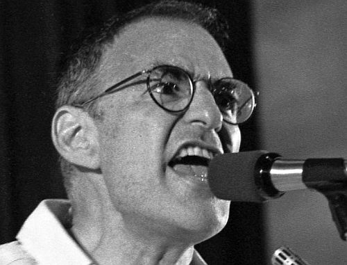 Larry Kramer in a scene from the film (screenshot)