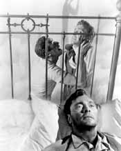 Vittorio Gassman and Barry Sullivan in Cry of the Hunted