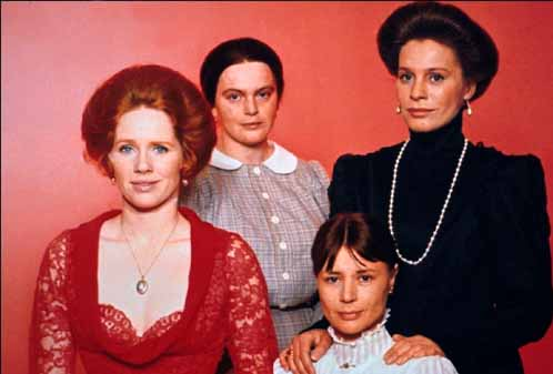 Liv Ullman, Kari Swylan, Ingrid Thulin, and Harriet Andersson in Cries and Whispers