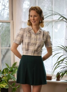 Vintage Style Blog: reproduction 1940s work blouse and 1930s pleated sport shorts from The House of Foxy