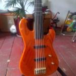 five-string-semi-fretless-custom-bass-05