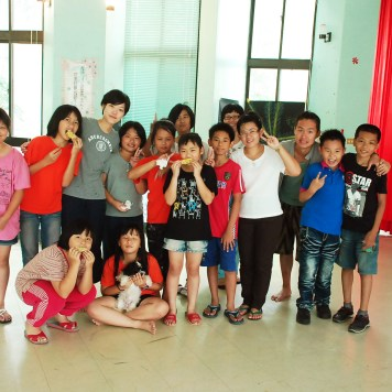Workshop in Tainan at the Chingshan elementary school! Courtesy James Teng