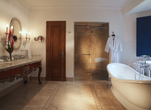 Palacio Nazarenas bathroom - luxury, luxury, luxury