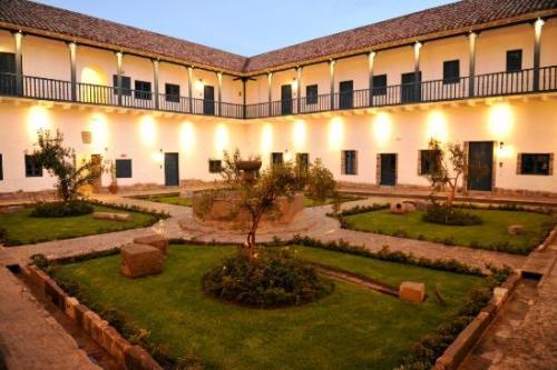 Palacio Nazarenas courtyard - a peaceful retreat