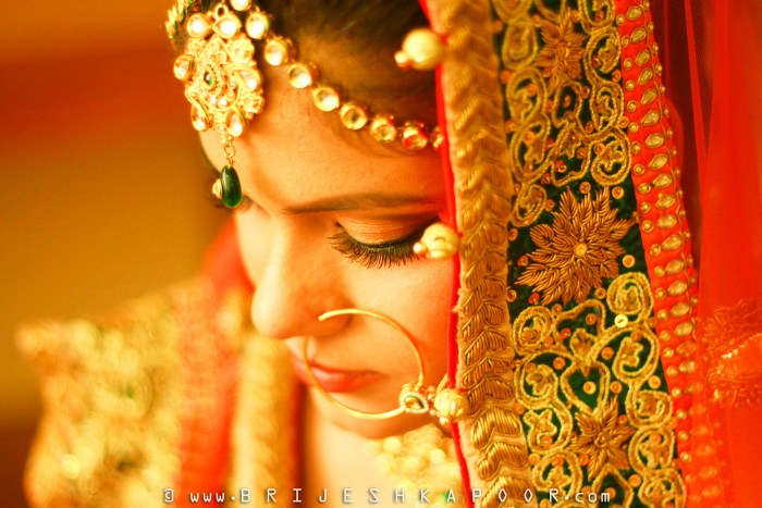 CANDID WEDDING PHOTOGRAPHY PIC OF AN INDIAN HINDU BRIDE BY BRIJESH KAPOOR