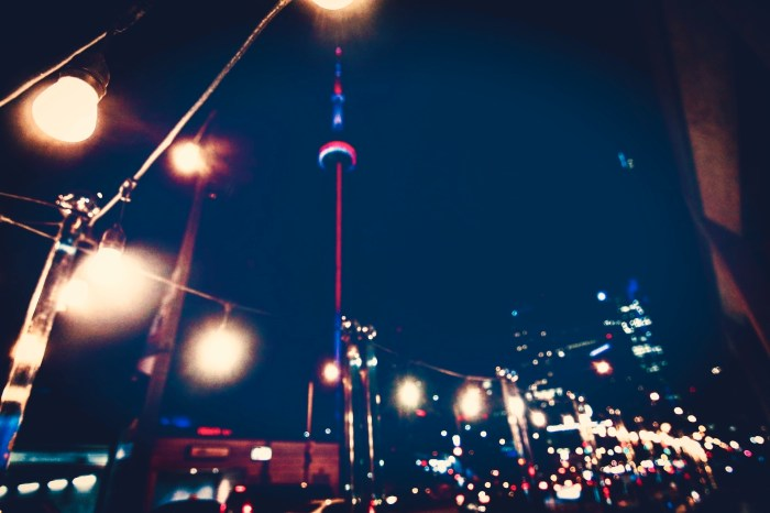 CN TOWER IN TORONTO NIGHT SHOT BY BRIJESH KAPOOR PHOTOGRAPHY