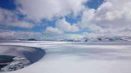 """The lake that """"comes and goes"""" on the top of the Tystig glacier in Stryn, Destination Nordfjord"""