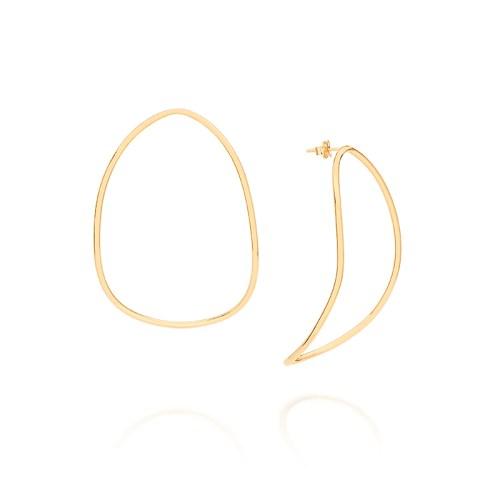 Brinco oval grande fio estilizado folheado em ouro 18k