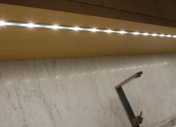 Illuminazione Sottopensile Cucina   Illuminazione Della Cucina Come ...