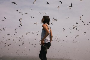 Woman_Birds_BenjaminCombs_web