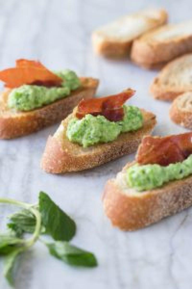 Sweet Pea & Ricotta Crostini with Crispy Prosciutto