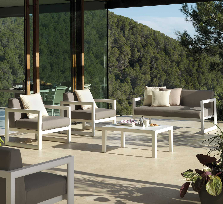 Emejing Salon De Jardin Blanc Plastic Ideas - House Design ...