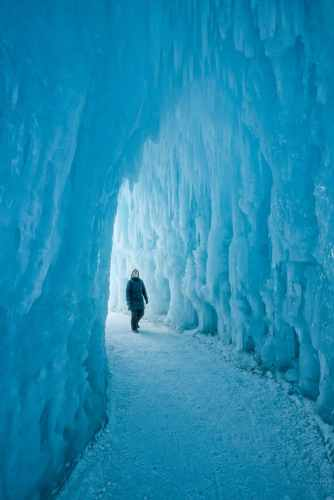 ice castle tunnel