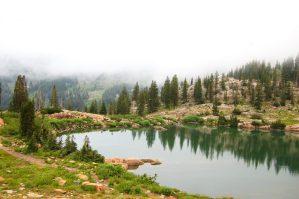 hiking cecret lake with kids
