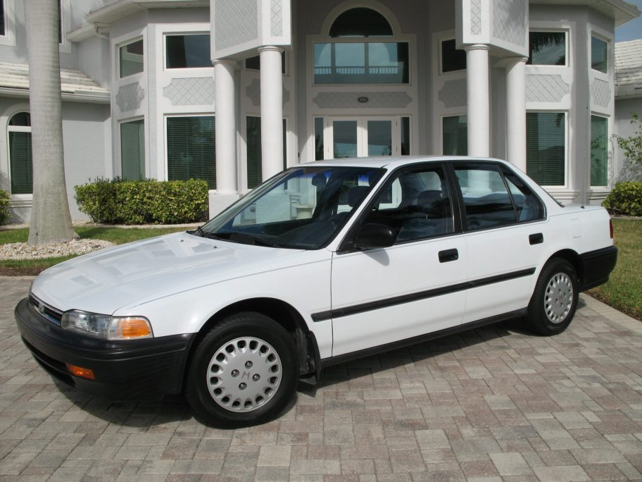 No Reserve: 60k-Mile 1992 Honda Accord DX