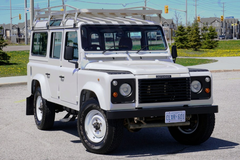 1995 Land Rover Defender 110 V8 5-Speed