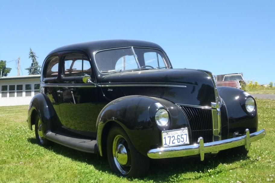 1940 Ford Standard Tudor Sedan