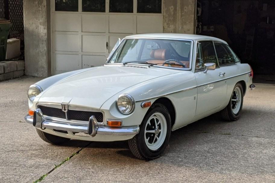 1974 MG MGB GT Project