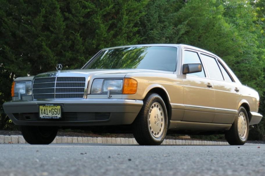 14k-Mile 1990 Mercedes-Benz 560SEL