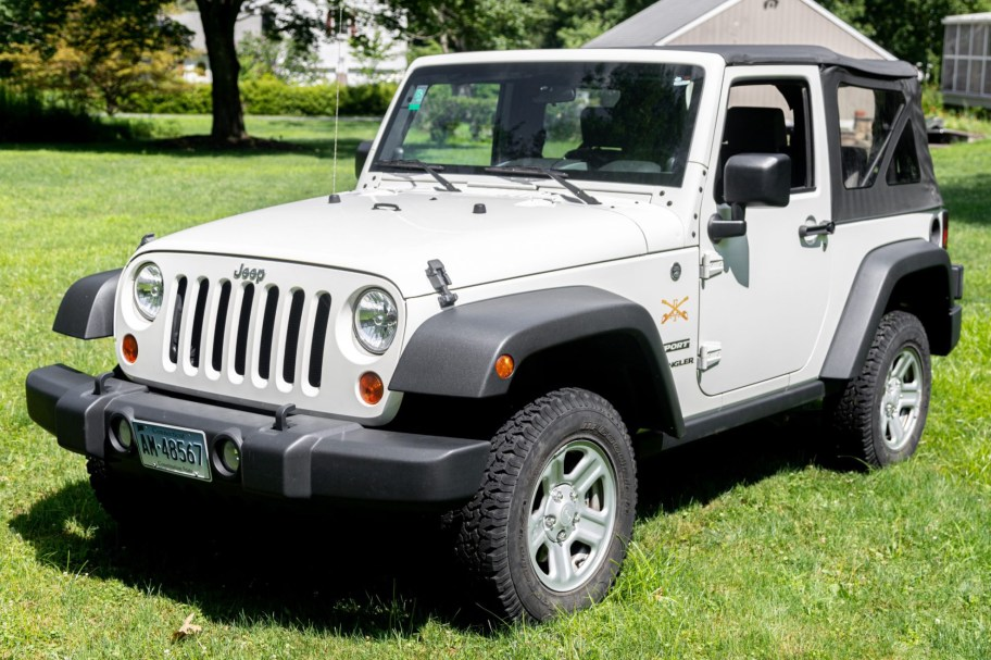 20k-Mile 2010 Jeep Wrangler Sport 6-Speed