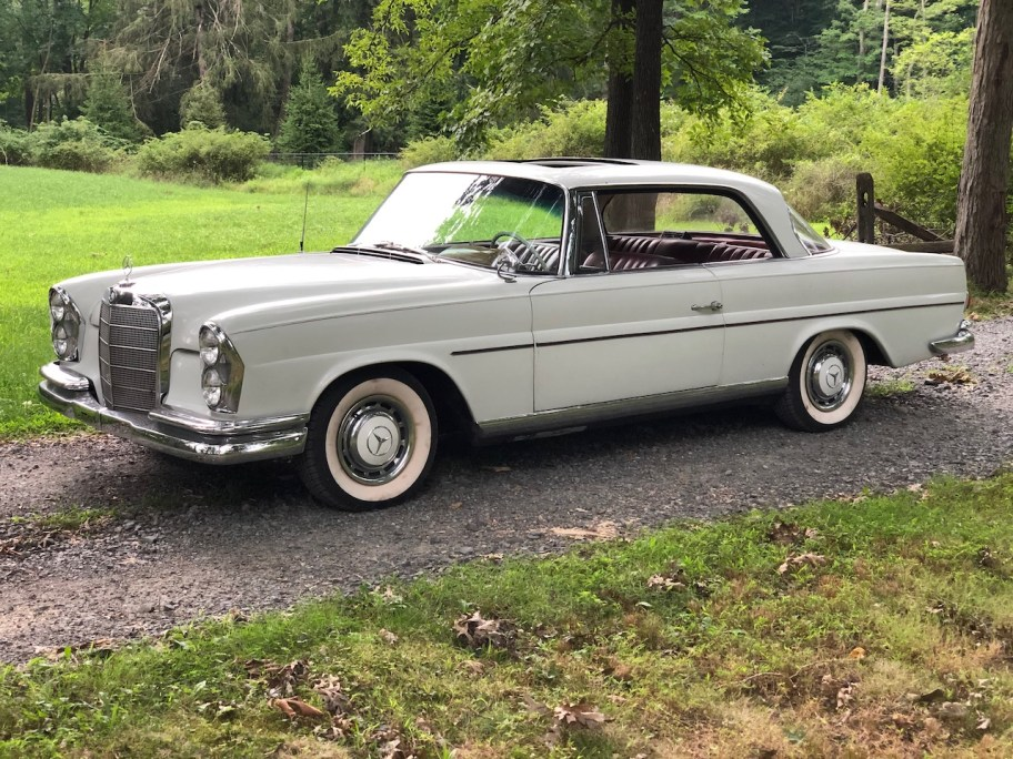 No Reserve: 1962 Mercedes-Benz 220SE Coupe
