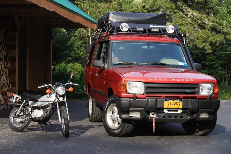 No Reserve: 1997 Land Rover Discovery w/1978 Yamaha GT80