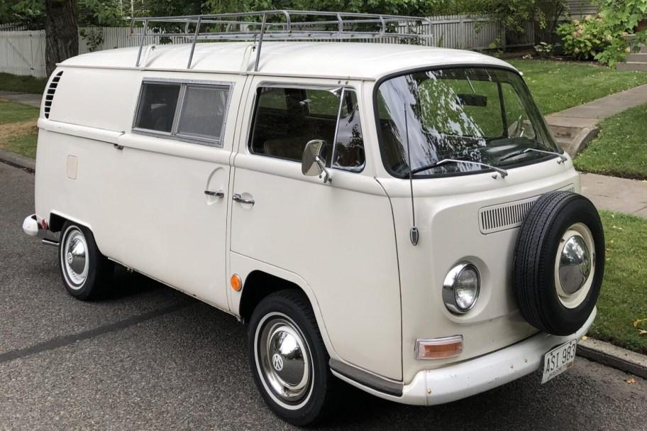 1968 Volkswagen Bus Riviera Camper