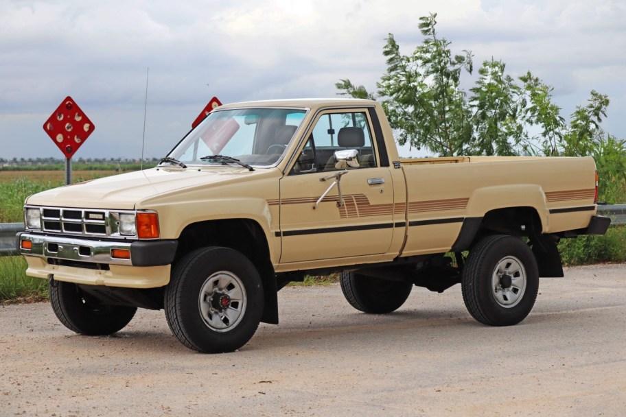 No Reserve: 1986 Toyota Pickup 4x4