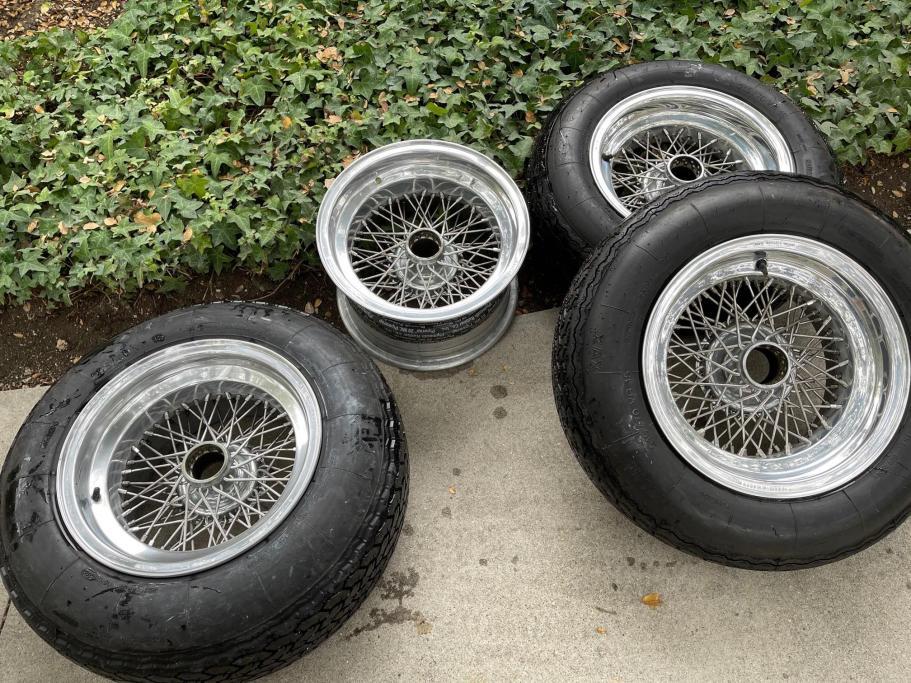 No Reserve: Ruote Borrani 15×7.5″ and 9″ Wire Wheels for Ferrari