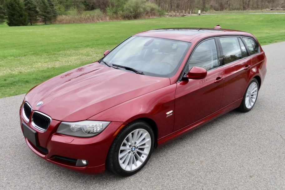 2011 BMW 328i xDrive Sports Wagon 6-Speed
