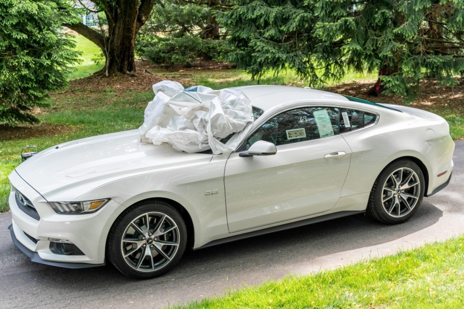 6-Mile 2015 Ford Mustang GT 50th Anniversary Edition 6-Speed