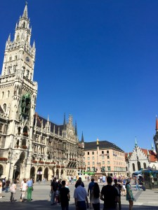 Rathaus-Glockenspiel, Munich, Family travel germany