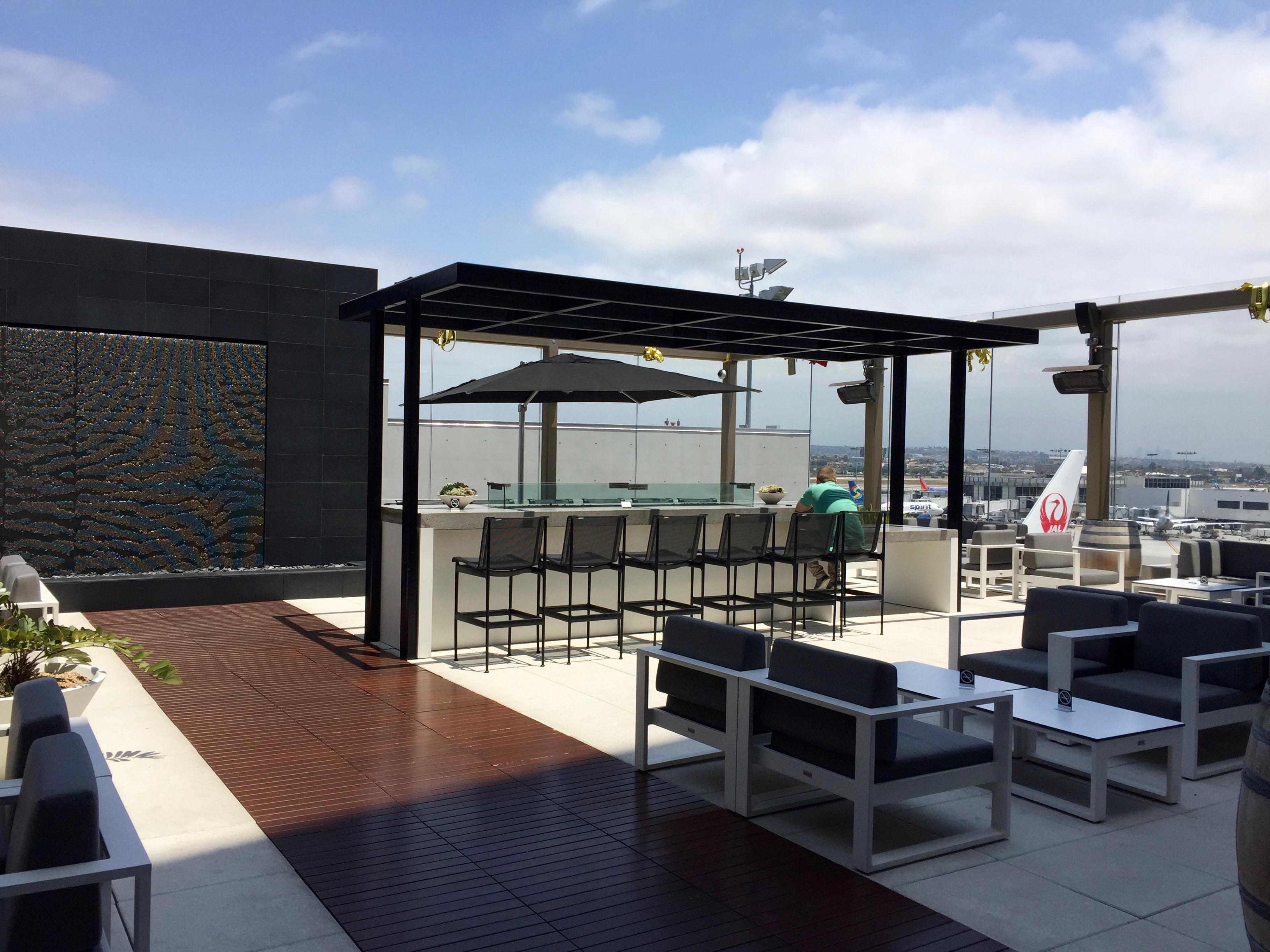 Star Alliance Lounge Patio, LAX