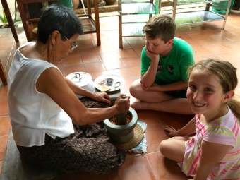 Making Curry, Learning Thai Cooking, Mortar and Pestle making curry