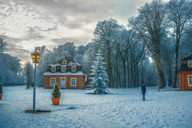 4 Reasons To Buy Or Sell A Home This Winter