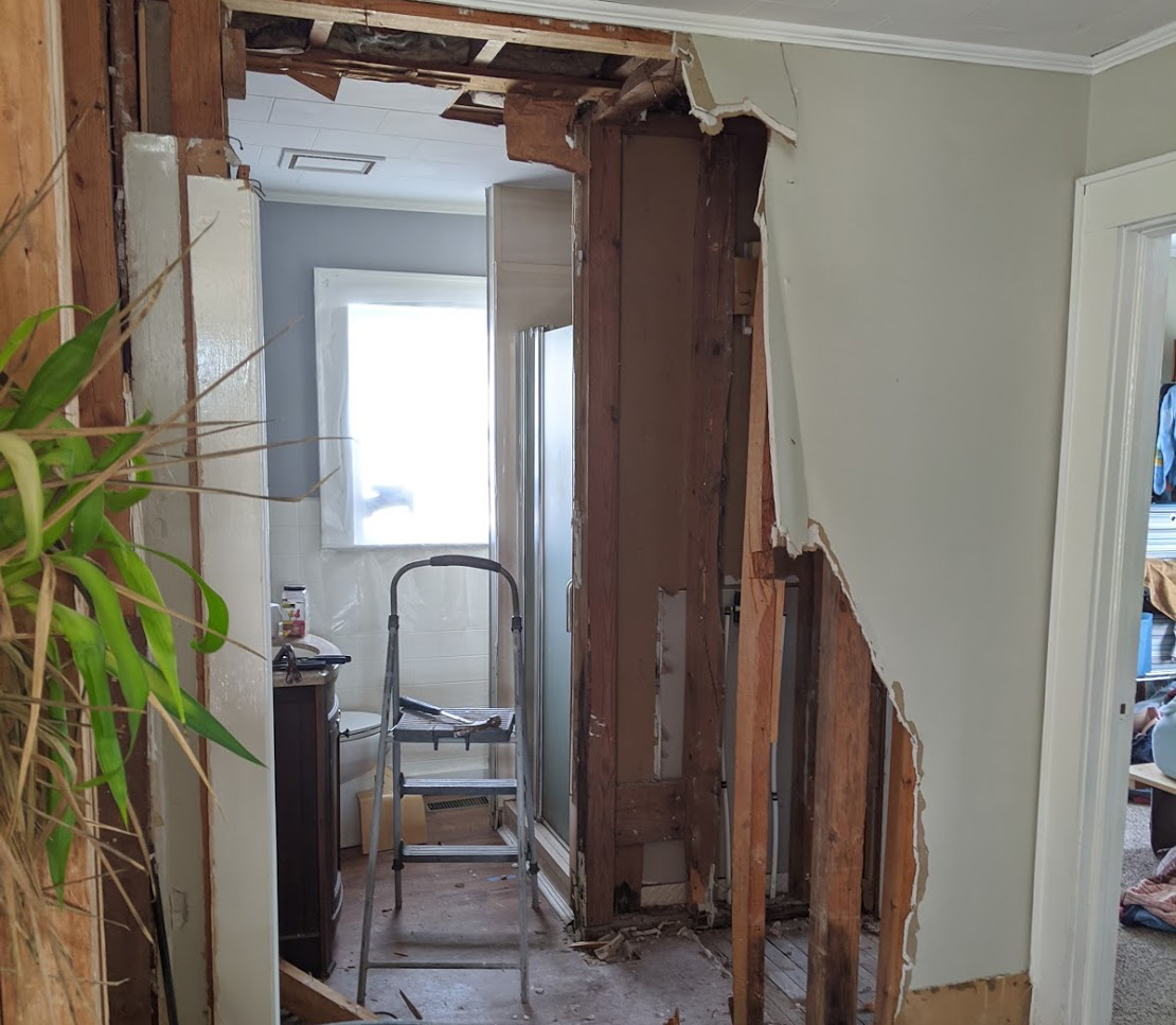 Bathroom Demo – Our Step-by-Step Bathroom Demolition