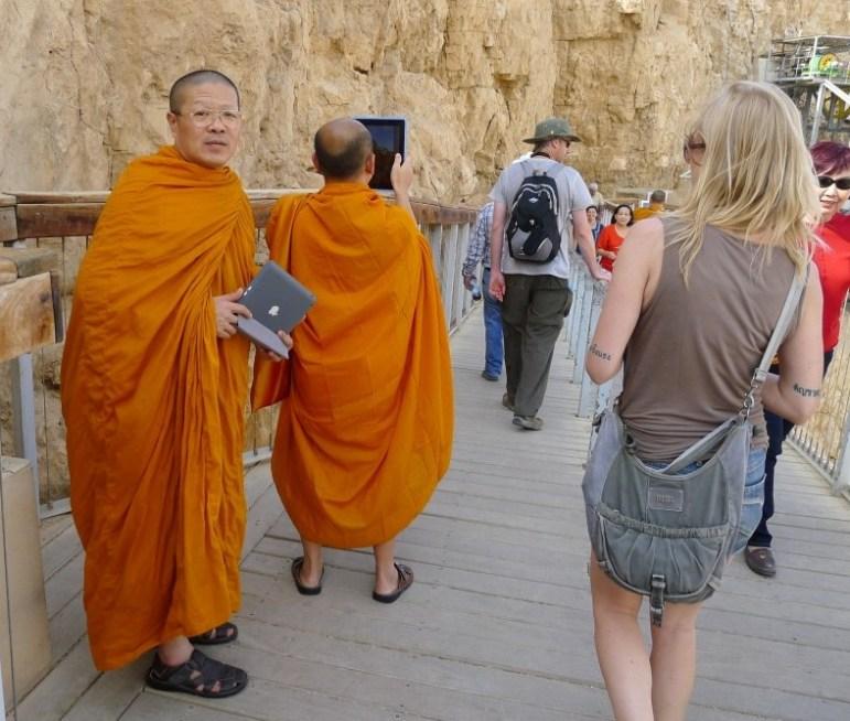 Buddhistische Mönche auf Masada, Israel