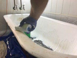 Pouring a claw foot